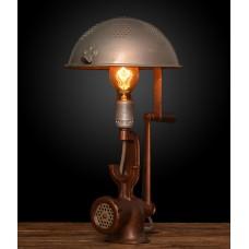 Оригинальная лампа-мясорубка